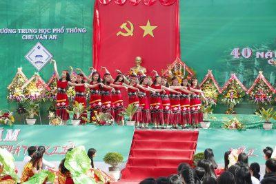 Một số hình ảnh hoạt động kỷ niệm 40 năm thành lập trường THPT Chu Văn An