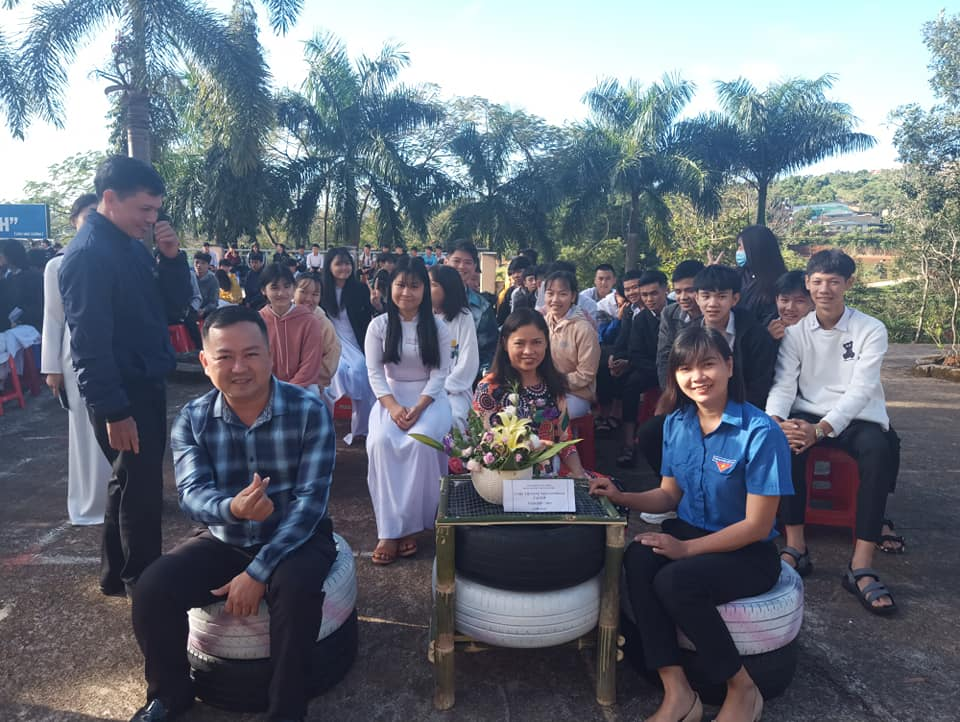 Đoàn viên – Thanh niên trường THPT Gia Nghĩa hưởng ứng cuộc thi sáng tạo sản phẩm tái chế bảo vệ môi trường