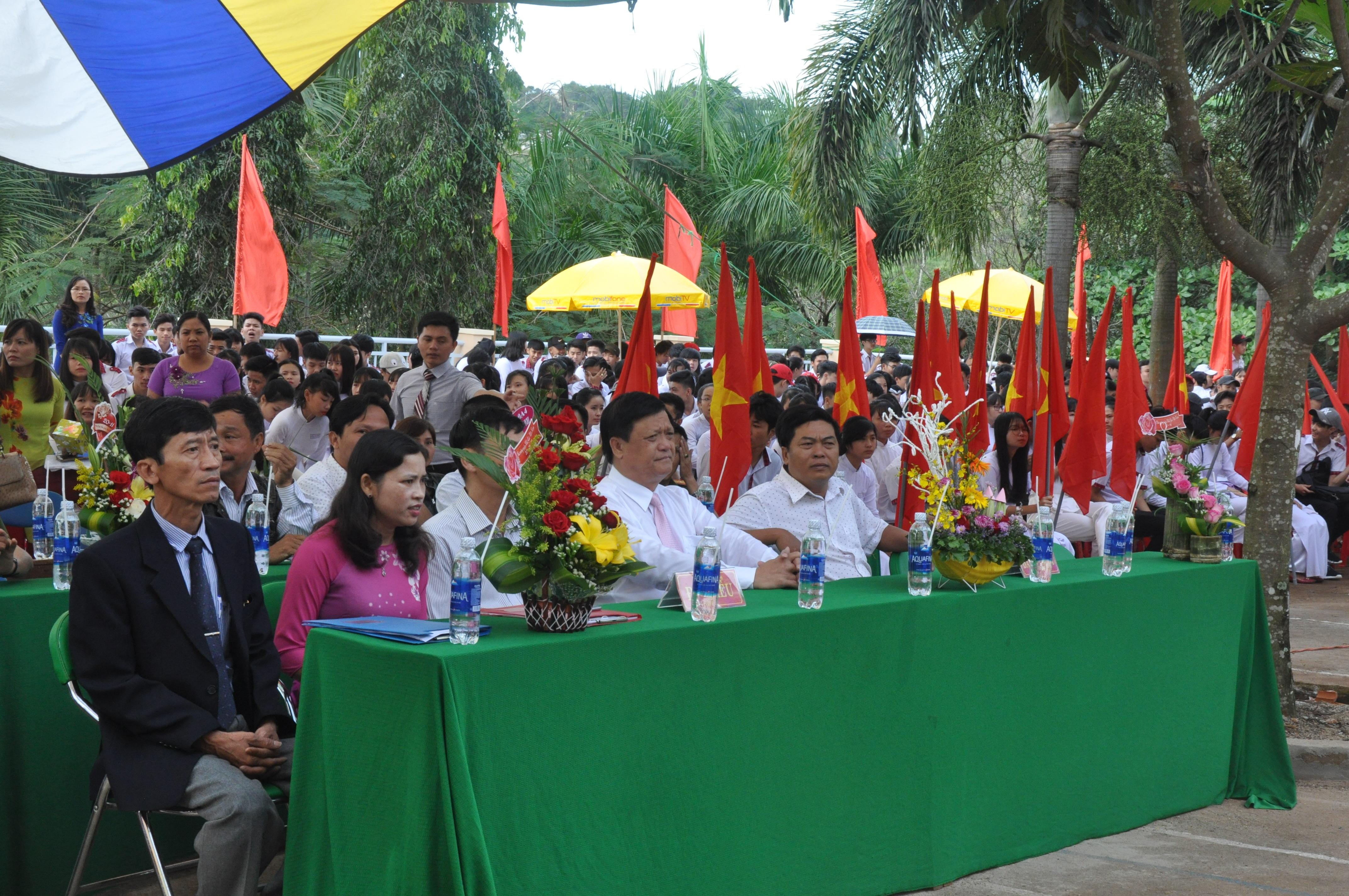 Lễ Mít tinh kỷ niệm ngày Nhà giáo Việt Nam 20-11 trường THPT Gia Nghĩa